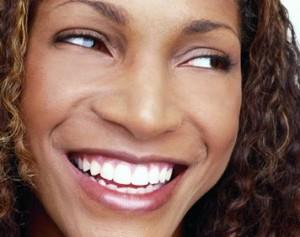 teeth-whitening-gel-to-bleach-your-teeth