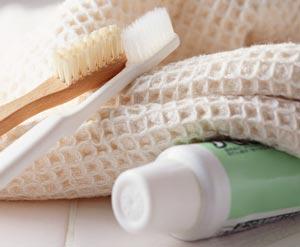 teeth-whitening-ingredients-in-toothpaste